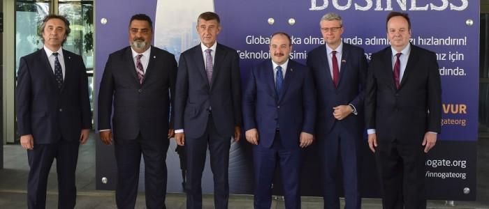 Çekya Başbakanı İTÜ ARI Teknokent'i Ziyaret Etti